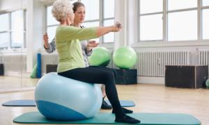Com o método Pilates, idosos ficam mais independentes